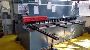 машина за рязане и огъване на ламарина